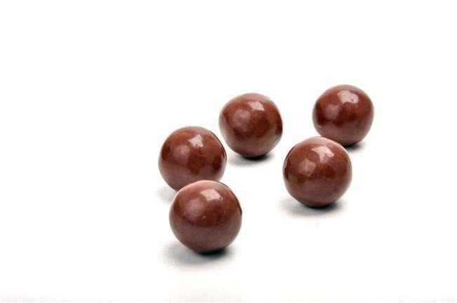 Bolitas de soja cubierta de chocolate